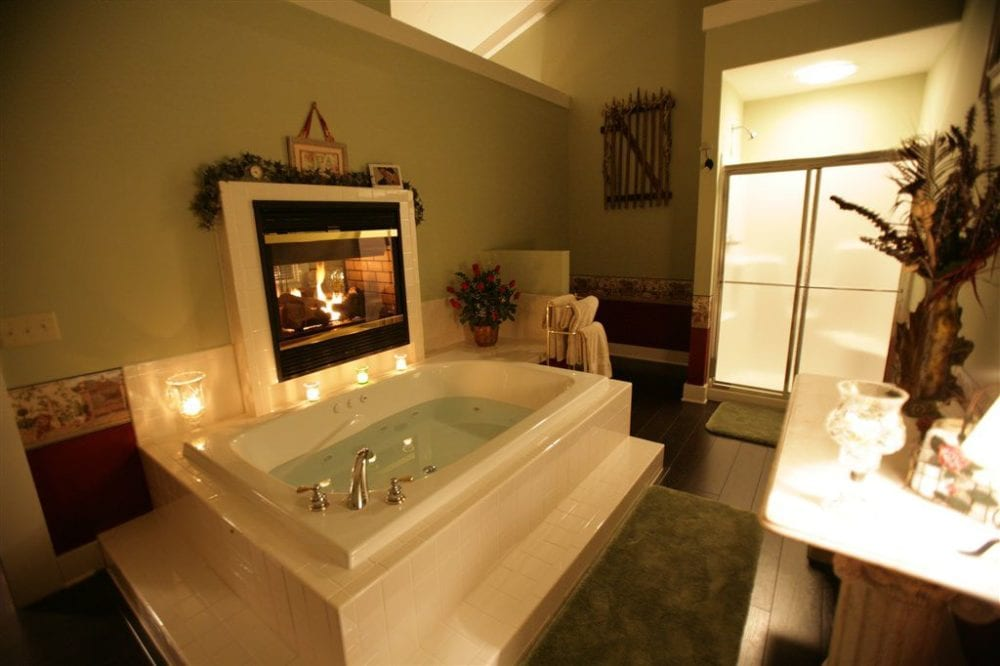 Bergey cottage bathroom and tub